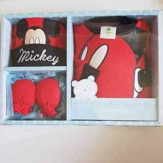 Disney Newborn Baby Mickey Mouse 3pcs Gift Set For Baby Girl Baby Boy Full Month Baby Shower.