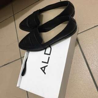 Aldo牛皮尖頭皮鞋