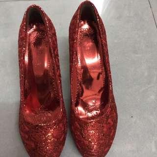 婚後物資 紅色高跟鞋