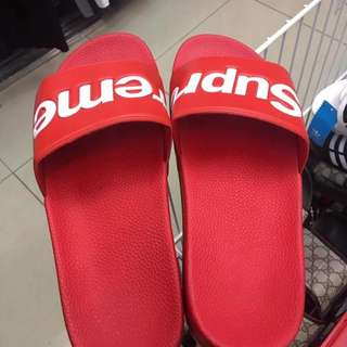 Supreme slides class a replica from US