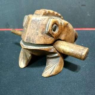 ☝ 泰國木雕招財蛙