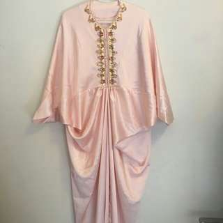 Ava Pink Peach Beaded Caftan  Cera Ava Prologue Pvra Shafa Design F Hermaini Amr The Label Andela Caftan Sapto Aniaki Kondangan Lebaran
