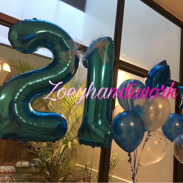 21st birthday balloon cluster @zoeyhandiwork
