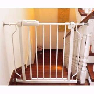 FREE SHIPPING!! Brand New Free Delivery Baby Safety Gate Pet Fence Popular Demand