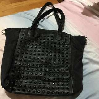 黑色大包包