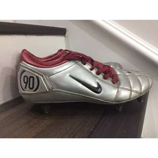 Nike T90 football boot size UK7