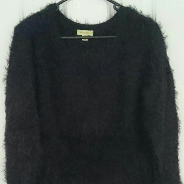 Avocado Sweater Size 10