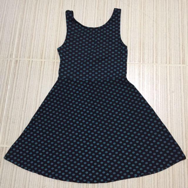 Brand new DIVIDED dress