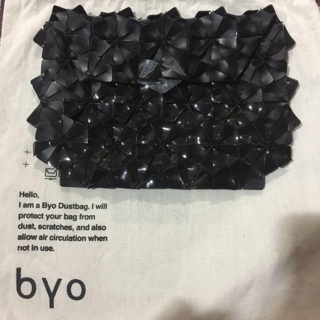 Byo Clutch
