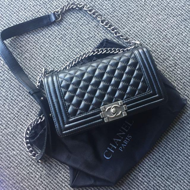 Chanel Le Boy 25cm Leather Crossbody Bag