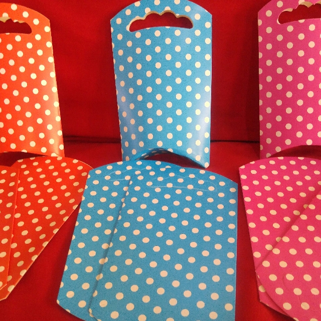 DIY Dotted Party Loot Bag