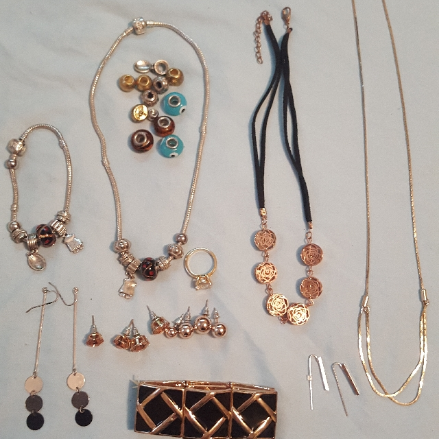 Fashion Jewelry $20 For The Lot ❤❤❤