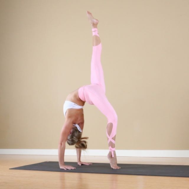 e70bcbcee9001 Flexi Lexi dancer leggings in pink (size s , fits Lulu 4), Sports ...