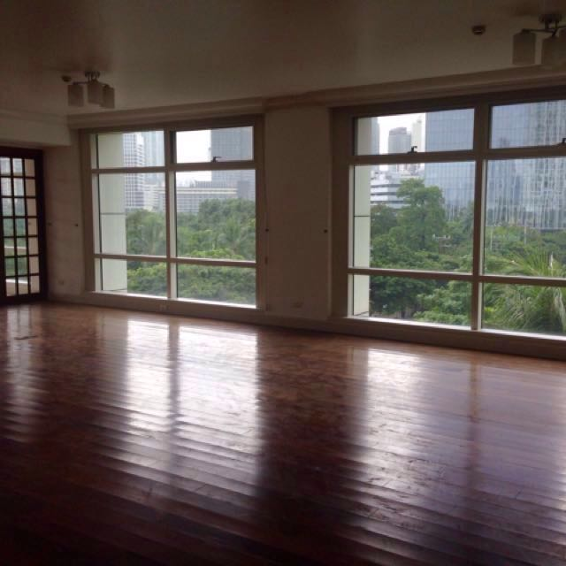 For Lease: spacious 3 bedroom, One Roxas Triangle, Makati