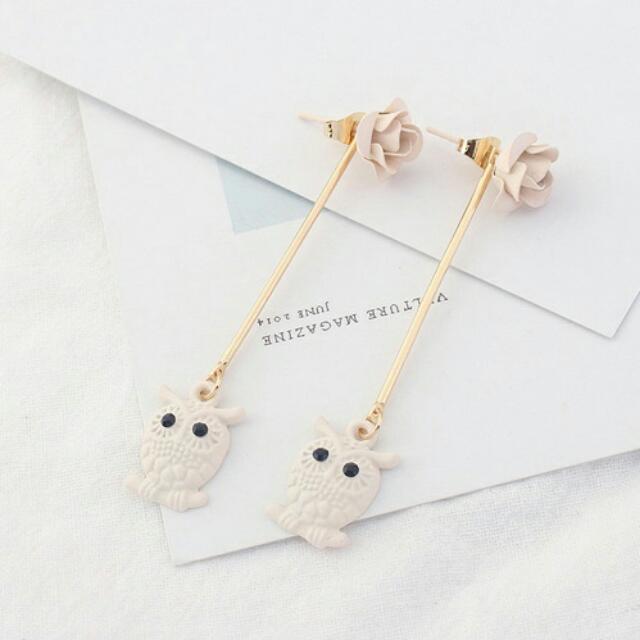 Ginya Owl Rose In Beige Earrings
