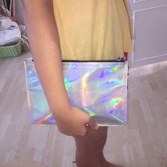HOLOGRAM POUCH FROM COLORBOX👝❤️