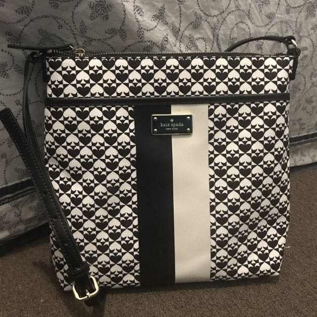 Kate Spade (New York Classic Messenger bag)