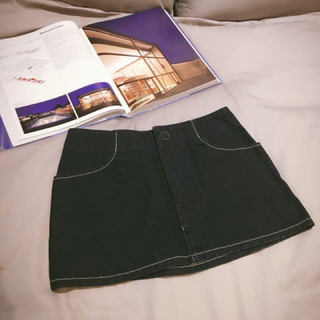Levis牛仔短裙 26-27腰可穿 保證真品,購於專櫃 保存良好
