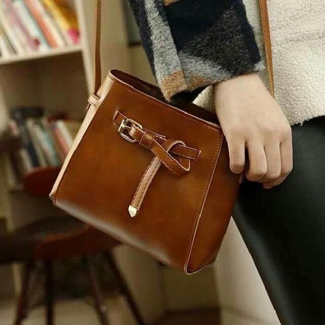63844ac1b9f2 Lizzy Sling bag