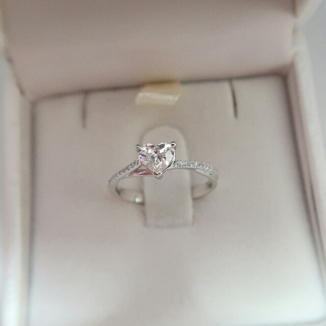 f3c4b032bb11f Love & Co Engagement Ring LVC Precieux, Women's Fashion, Jewellery ...
