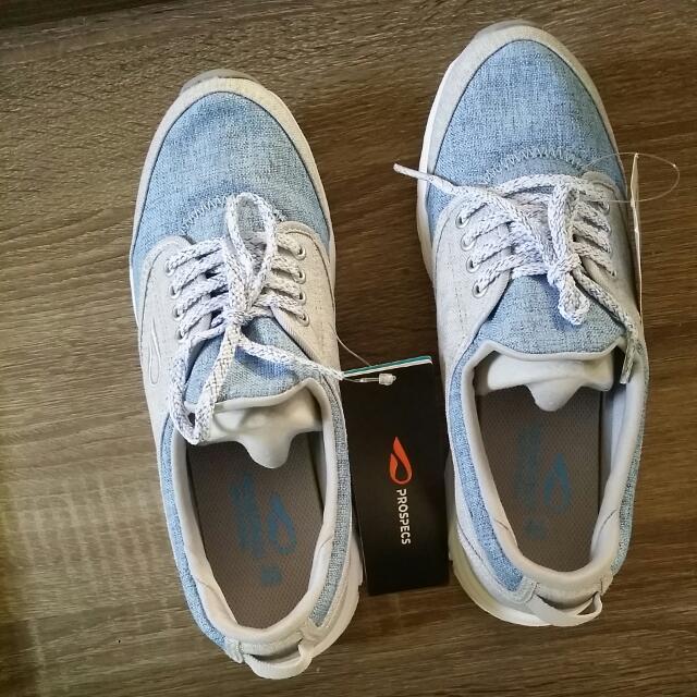 Prospecs Sneaker For Women