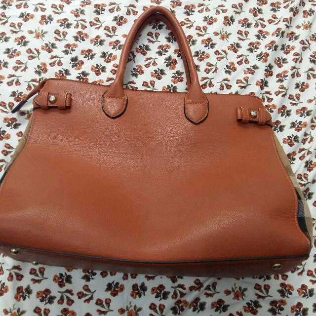 (Reprice) Burberry Brown