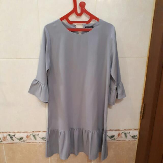 Ruffle Dress Grey