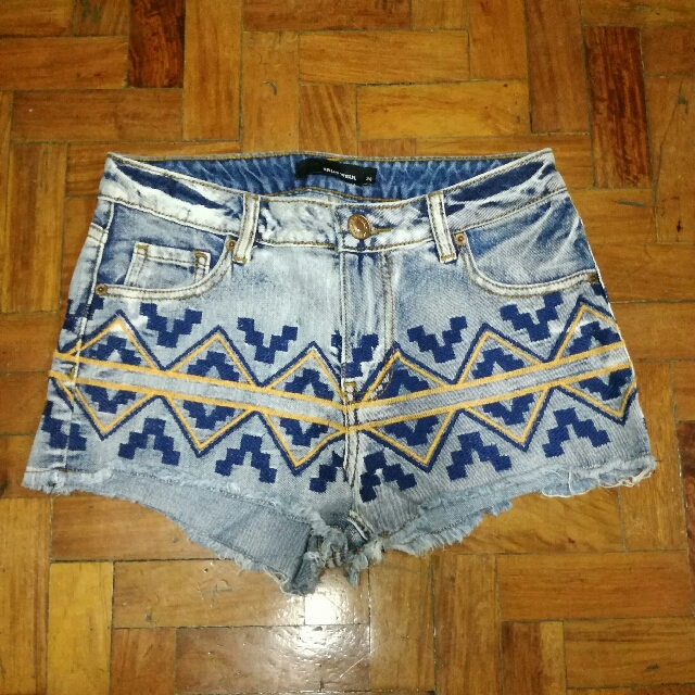 🌼Tally Weijl High Waist Aztec Shorts