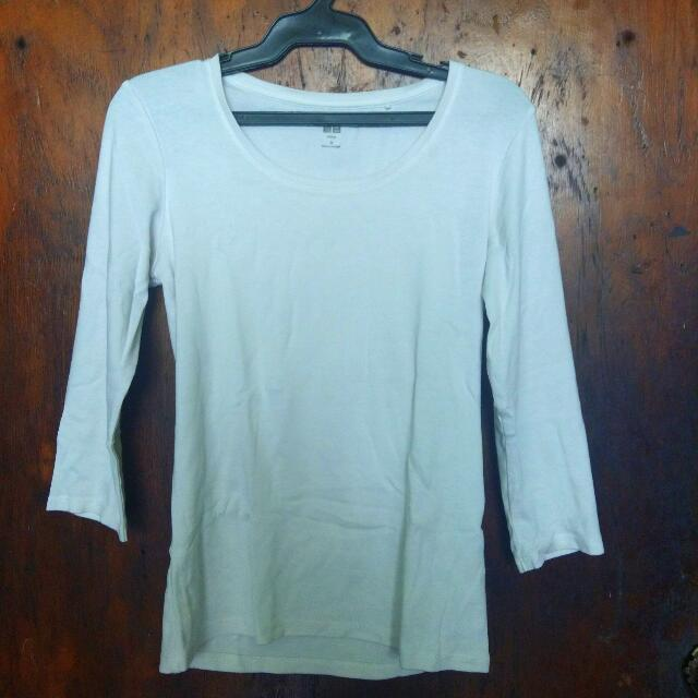 Uniqlo Basic White Long Sleeve Shirt