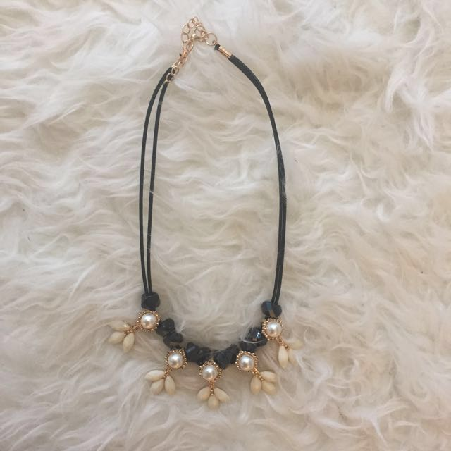 💜White pearl flower necklace