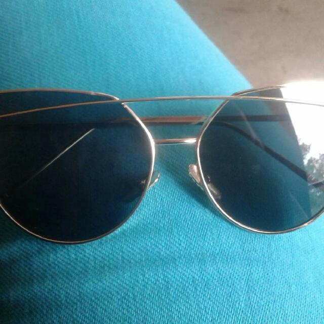woman's double metal nose bridge sunglasses