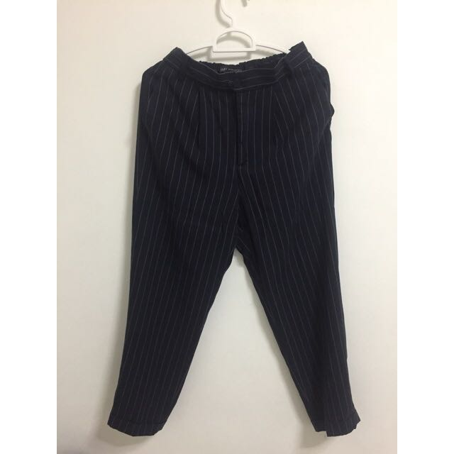 a38ac843 ZARA Navy Pinstripe Cropped Pants UK 6-8, Women's Fashion, Clothes, Pants,  Jeans & Shorts on Carousell