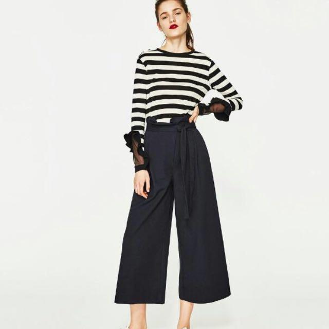 930661e9 ZARA TRF BW Ruffle Sleeve Sweatshirt, Women's Fashion, Clothes, Tops on  Carousell