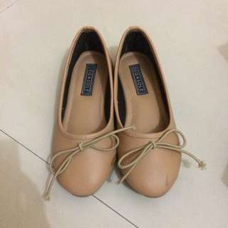 Degasole flat shoes (size 35)