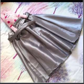 100%全新泰國製造絲質及膝裙子