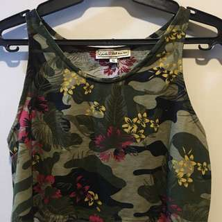 H&M camo crop top
