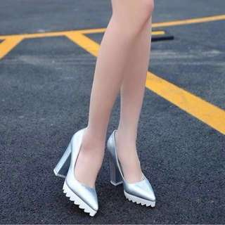 韓國女鞋  春夏時尚鋸齒底尖頭粗跟高跟鞋
