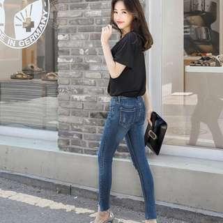 👖超顯瘦特殊褲管牛仔褲 (現貨L號一件-現貨價💰1130)