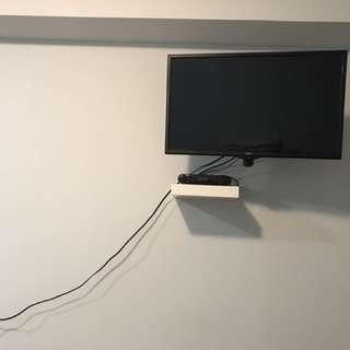 "33.5"" RCA TV"