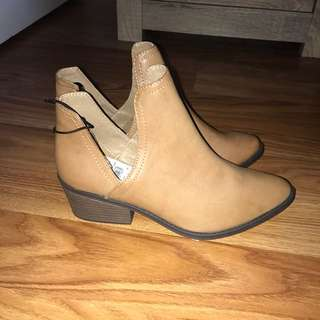 Ladies tan ankle boots