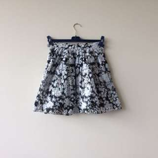 Club Monaco skirt size 2