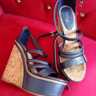 Wedges Pedro