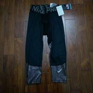 Nike Pro 七分束褲