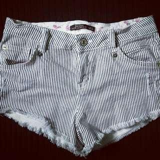 Bershka Stripes Shorts Overrun