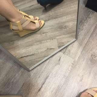 Fendi楔型鞋