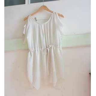 [二手] 米白色  露肩膀 抽繩 洋裝
