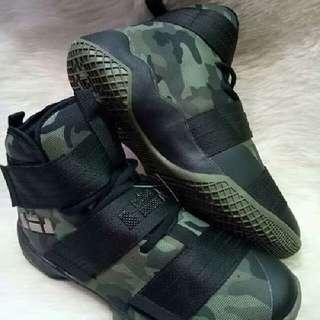 Lebron High Cut Lebron Soldier Basketball Shoes