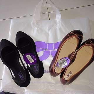 Flat shoes the little things shee need NEW