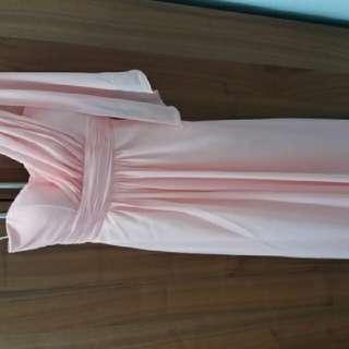 粉紅姊妹裙