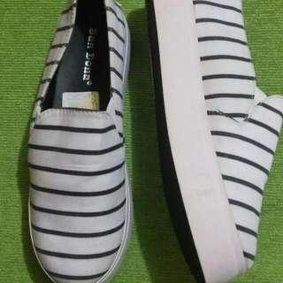 R.E.P.R.I.C.E Slip On / Sepatu Murah / Sepatu Wanita / Slip On Putih
